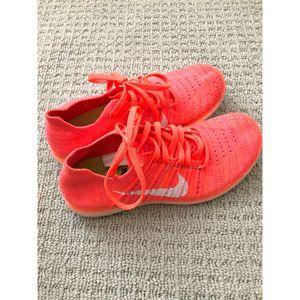 Women's Nike Free Fly knit 6